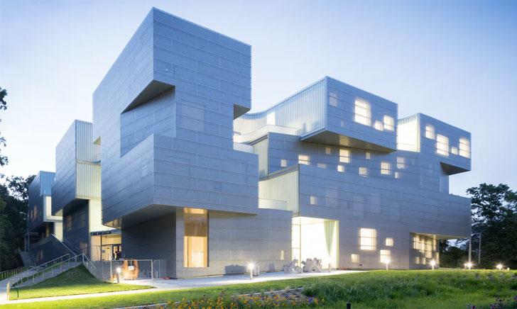[Đẳng cấp thế giới] Khi các đại kiến trúc phụ thuộc vào Polycarbonate