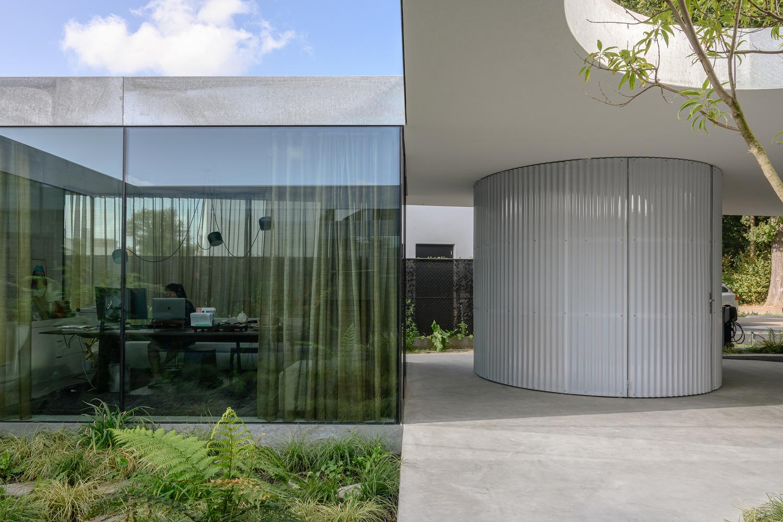 Villa Fifty-Fifty, Hà Lan