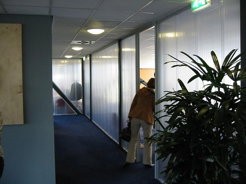 Hiện nay có rất nhiều văn phòng làm việc sử dụng tấm lợp lấy sáng Polycarbonate
