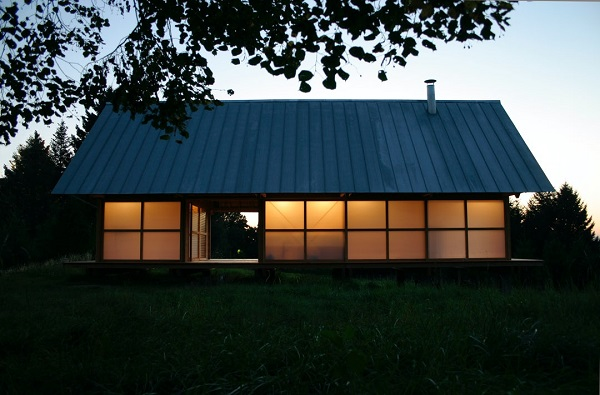 Polycarbonate là một giải pháp giúp tiết kiệm chi phí cho công trình nhà ở